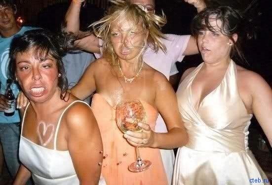 Пьяные девчонки такие красивые!